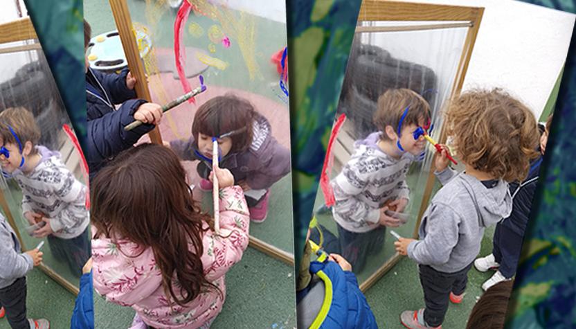 Niños jugando en el patio inclusivo de Bacarot